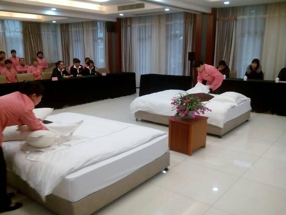 背景墙 房间 家居 酒店 设计 卧室 卧室装修 现代 装修 960_720